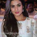 sonal chauhan hot sexy rare images (102)